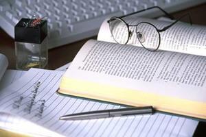 Что представляет собой кандидатская диссертация  Зачем писать кандидатскую диссертацию