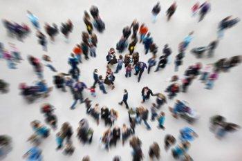 Общественная жизнь — развитие каждого члена общества посредством взаимного воздействия между социумом и индивидом