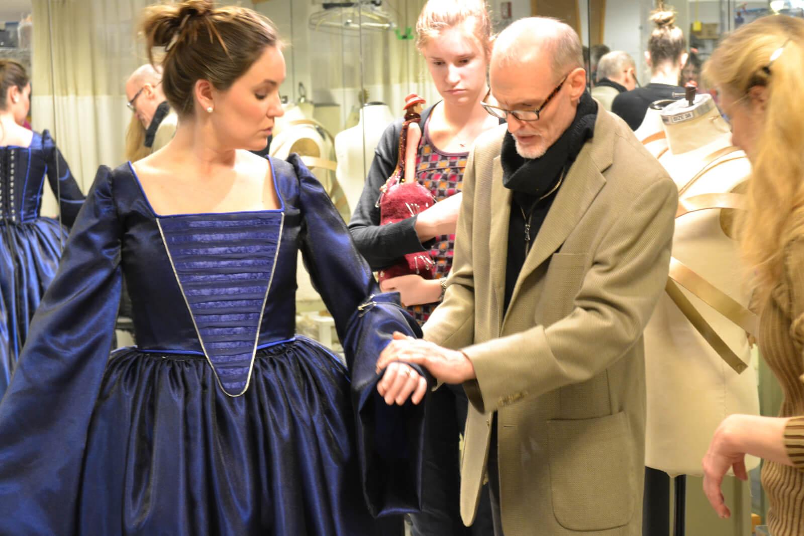 Обучение художников по костюмам