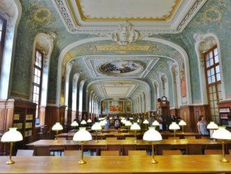 библиотека в Сорбонне