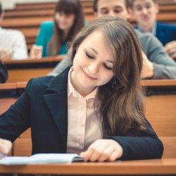 Ноутбук, ручка, блокнот, дневник — что необходимо студенту для учебы